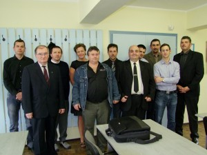 A frissen vizsgázott csapat és oktatóink