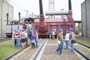 A fázisonkénti 1100 MVA teljesítményű 750/400 kV-os Ganz transzformátorok tömege egyenként több mint 300 tonna