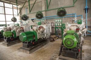 200 bar-os kompresszorokkal állítják elő a levegős megszakítók működtetéséhez szükséges 20 ppm tisztaságú levegőt